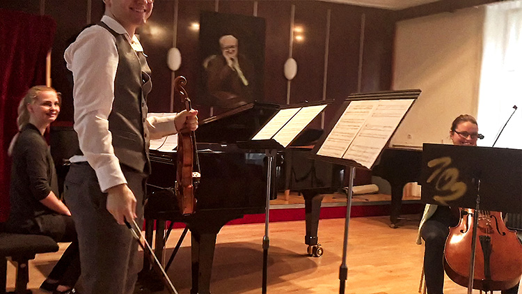 Fúga pre husle, violončelo a klavír č. 2, Op. 12